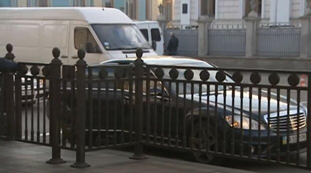 парковка біля Верховної Ради