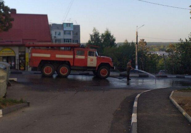До приїзду Зеленського на Харківщині мили асфальт