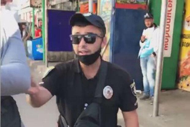 поліцейські відпустили крадіїв та затримали активістів