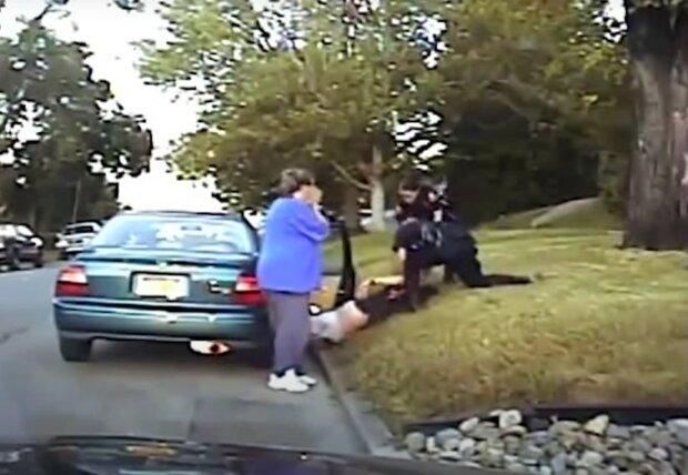затримання американськими поліцейськими