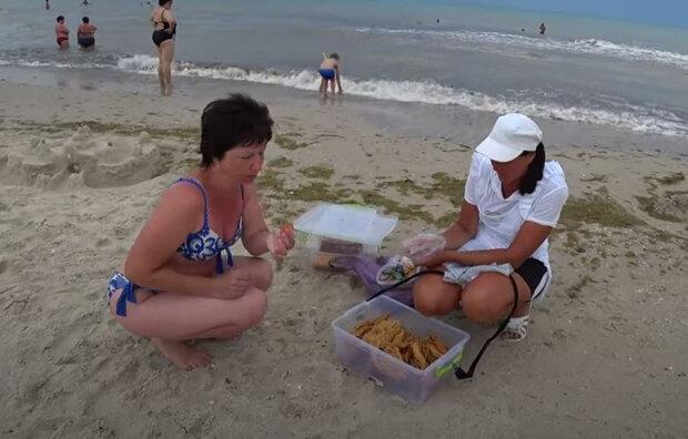 5 причин ніколи не купувати їжу на пляжі