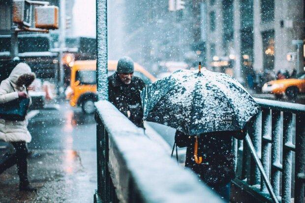 Коли в Україні чекати на перший сніг