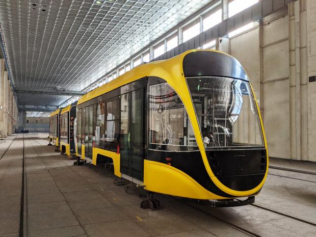 """Компанія """"Татра-Юг"""" представила новий трамвай"""