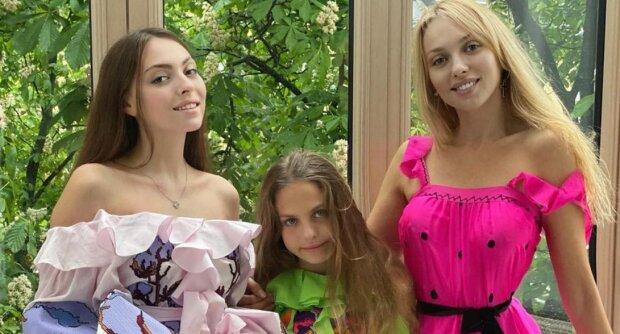 Оля Полякова і діти