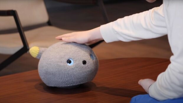 Panasonic створила робота кішку