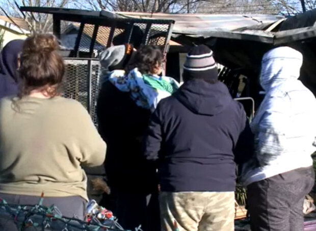 Дівчина врятувала свою сім'ю з вогню