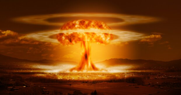 Запад не должен позволить Украине создать атомную бомбу