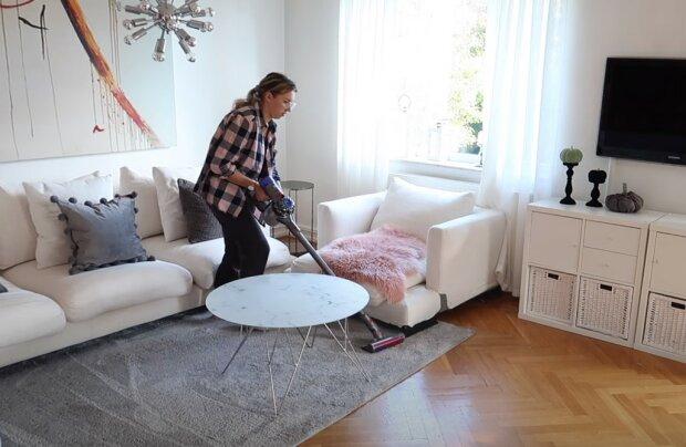 прибирання в будинку \ \ скріншот відео