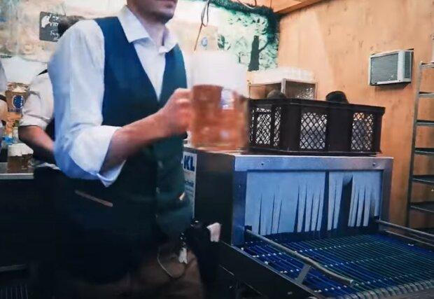 пиво, бар, офіціант