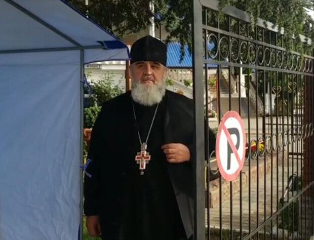 Священик УПЦ МП відкрито просто у церкві агітує за Медведчука