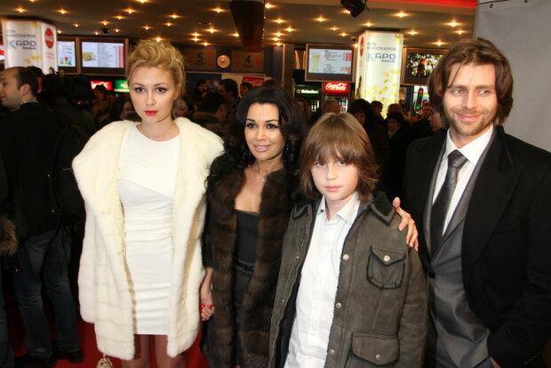 Анастасія Заворотнюк з родиною