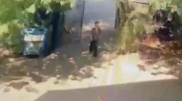 Жінка викинула у сміттєвий бак новонароджену доньку