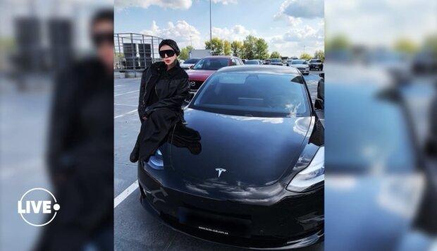 Ірина Білик купила нову Tesla