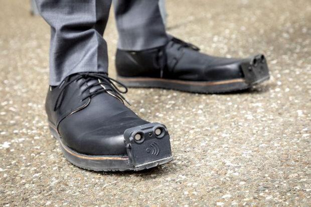 взуття для людей з вадами зору