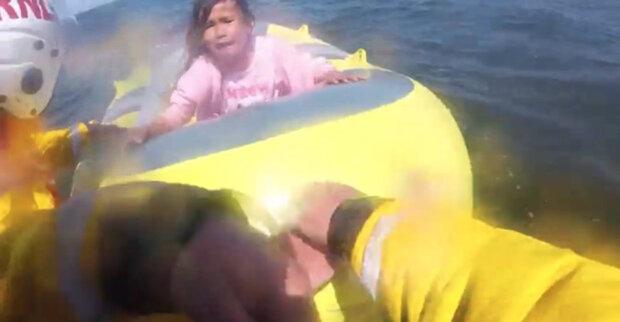 8-річну дівчинку віднесло в море на надувному човнику