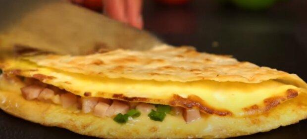 Їжа. Фото: скріншот відео.